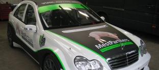 Mercedes bestickerd!